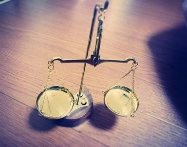 引越し要求の代替案(1)引越しを条件に慰謝料を減額する